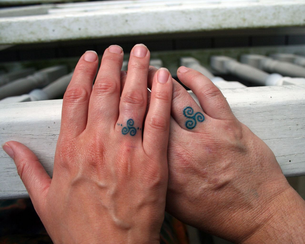 18 of the Best Wedding Ring Tattoos for Couples – Wow Amazing